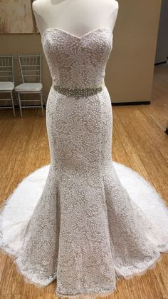 UNDER $1,000 // This Carrafina style #4251 is extremely versatile and it even comes in other colors! #MichellesBride #WeddingDress #WeddingGown