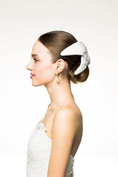 シニョン×ボンネでクラシカルなご令嬢風/Side Wedding Hairstyles, Hair Makeup, Beautiful Women, Bride, Accessories, Image, Beauty, Fashion, Headpieces