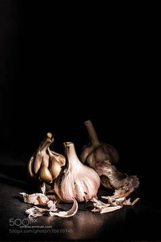 Garlic Bulbs With Garlic Skin by Foodfulife