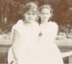 Maria and Tatiana, 1907