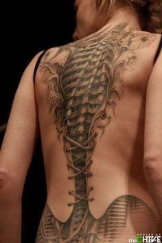 Tattoo Tuesday segni ormai evidenti rimasti ancora come cicatrici