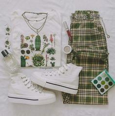 Living the green life 🌵🌿🌱🍃 Style Outfits, Teen Fashion Outfits, Mode Outfits, Retro Outfits, Cute Casual Outfits, Vintage Outfits, Summer Outfits, Preteen Fashion, Teenage Outfits