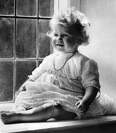 Queen Elizabeth turns her life in photos - Princess Elizabeth, (the future Queen Elizabeth II), God Save The Queen, Die Queen, Queen Queen, Royal Queen, Queen Mary, Prinz Philip, Isabel Ii, Queen Mother, Baby Queen