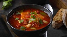 Chorizo, Thai Red Curry, Salsa, Food And Drink, Ethnic Recipes, Soups, Red Peppers, Soup, Salsa Music