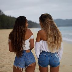 Image about girl in Claudia Tihan 🍑 by viannelbis Photos Bff, Bff Pictures, Best Friend Pictures, Summer Pictures, Friend Photos, Beach Pictures, Beach Pics, Travel Photos, Sexy Jeans