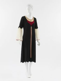Dress  Paul Poiret  (French, Paris 1879–1944 Paris)  Date: 1925 Culture: French Medium: wool, silk