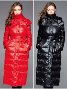 Nylons, Puffer Coats, Langer Mantel, Art Costume, Fashion Magazines, Puffy Jacket, Warm Outfits, Winter Coats, Down Coat