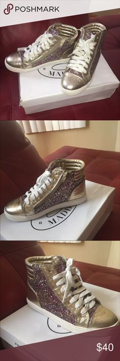 Steve Madden Glitter Shoes Gently Worn Shoes Sneakers
