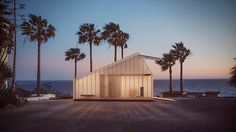 kite house | projeto: aga gansiniec | a construção leve e modular permite facilidade no transporte, até mesmo em locais sem infraestrutura de estradas