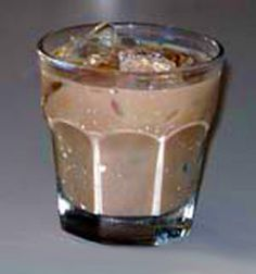 Nutty Irishman mixed drink recipe with ingredients, garnish, mixing instructions and a picture of the glass. Fun Cocktails, Cocktail Drinks, Alcoholic Drinks, Beverages, Baileys Drinks, Mixed Drinks, Yummy Drinks, Food And Drink