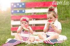 A fun little 4th of July mini session I did with my girls last night ☺