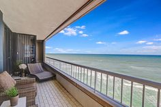 Newly Listed Singer Island Condo For Sale! #newlisting #singerislandcondos #southfloridarealestate #waterfrontproperties #lovefl