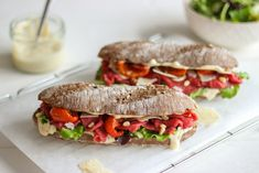"""""""Life is like a sandwich, you have to fill it with the best ingredients."""" Helemaal waar is dat! Panini Sandwiches, Wrap Sandwiches, Lunch Snacks, Lunches, Lunch Room, Dutch Recipes, High Tea, Food Videos, Delish"""