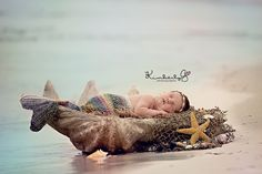 Kimberly G Photography - Newborns This site has such cute photo ideas for the newborn.