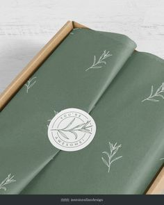 Organic Packaging, Packaging Box, Paper Packaging, Jewelry Packaging, Brand Packaging, Biotyfull Box, Graphic Design Projects, Packaging Design Inspiration, Tissue Paper