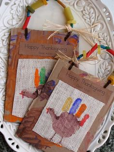 Hand Print Turkey bags. Cute, non?!