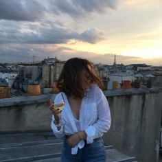 Dancing on the roof tops of Paris having a ball! Blogger Poses Photography, Foto Pose, Parisian, Selfies, Inspiration, Pictures, Travel, Vintage, Europe