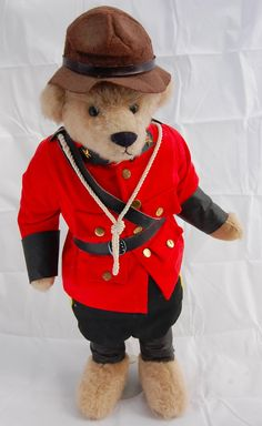"""Royal Canadian Mounted Soldier Teddy Bear 20"""" Artist Linda Spiegel Bearly There"""