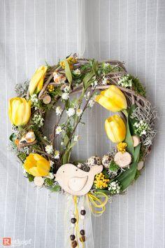 Türkränze - Türkranz Tulpen gelb - ein Designerstück von Rotkopf-design bei DaWanda Wreath Crafts, Diy Wreath, Grapevine Wreath, Decor Crafts, Diy Crafts, Wreaths, Driftwood Mirror, Spring Crafts, Easter Baskets