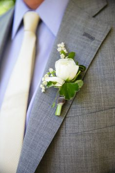 Green or cream as is mine!!!  Boutonniere: http://www.stylemepretty.com/2014/09/19/solage-calistoga-wedding-awash-with-yellow/ | Photography: Weddings by Sasha - http://weddingsbysasha.com/