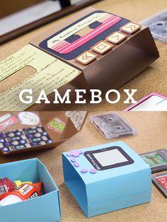 Cajita Gamebox para recuerdos. Inspirada en los 90's y que puedes hacer con materiales sencillos, en realidad tiene forma de gameboy color o de cassette y puedes meterle algunos dulces.