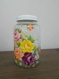 Painted Glass Vases, Painted Wine Bottles, Painted Mason Jars, Decorated Bottles, Glass Bottle Crafts, Wine Bottle Art, Flower Pot Crafts, Flower Pots, Decoupage Jars