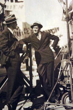 Jimmy Stewart 1940s Costume, Golden Age Of Hollywood, Classic Man, Celebs, Celebrities, Great Pictures, Behind The Scenes, Acting, Cinema