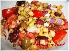 Ρεβυθοσαλάτα καλοκαιρινή! Kung Pao Chicken, Fruit Salad, Good Food, Ethnic Recipes, Fruit Salads, Clean Eating Foods, Eating Well, Yummy Food