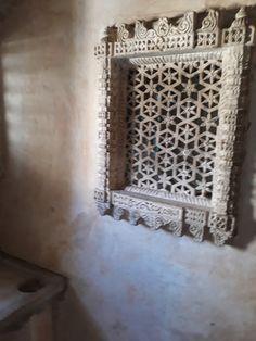 #magiaswiat #podróż #zwiedzanie # indie #blog #azja #zabytki # #swiatynie #shiva #krsna #posagi #slonie #palac #vrindavan Shiva, Indie, Mirror, Frame, Blog, Home Decor, Picture Frame, Decoration Home, Room Decor