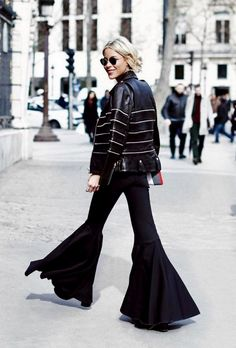 Flared pants   Black pants   Leather jacket   Fall winter inspiration   What to wear this winter   How to wear a flared pants   More on Fashionchick