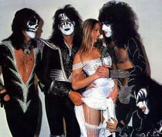 Bildresultat för kiss Lucky girl I want take her place Kiss Images, Kiss Pictures, Paul Stanley, Rock Band Posters, Peter Criss, Vintage Kiss, Kiss Photo, Kiss Band, Glam Metal