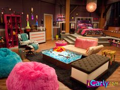 Carly's room on iCarly - Dream kids room. Because I know if I was between the ages 8-11 again, this would be utter heaven.