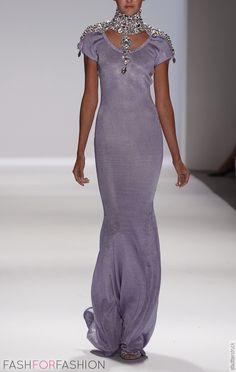 beautiful dress by Zang Toi