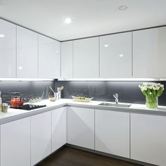 Under Cabinet Lighting Small Kitchen Design Kitchen Room Design, Luxury Kitchen Design, Kitchen Cabinet Design, Luxury Kitchens, Home Decor Kitchen, Interior Design Kitchen, Kitchen Ideas, Interior Design Minimalist, Interior Modern