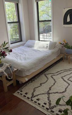 Room Ideas Bedroom, Bedroom Decor, Bedroom Inspo, Minimalist Room, Aesthetic Bedroom, Dream Rooms, My New Room, House Rooms, Room Inspiration