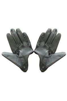 Half Hand Black Gloves £11.47 http://www.romwe.com/half-hand-black-gloves-p-12824.html