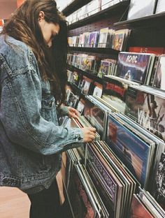 music, grunge, and indie photography Image about girl in 👽 by Noemi on We Heart It Bad Girls Club, Grunge Teen, Connor Franta, Grunge Photography, Portrait Photography, Music Aesthetic, Aesthetic Grunge, Portraits, Look Vintage
