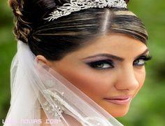 Ejemplo de maquillaje novia para una boda de noche.