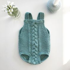 Extreme Cute Knitted Baby Rompers – Knitting And We Patterned Tea Towels, Diy Crafts Knitting, Baby Romper Pattern, Baby Overalls, Newborn Onesies, Tote Bags Handmade, Knitted Romper, Knitted Baby Blankets, Baby Knitting Patterns