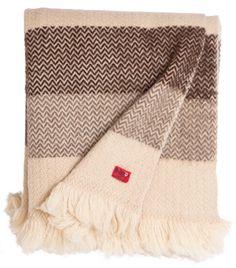 Karandila III - natural not dyed woolen throw from Bulgaria on balkanova.cz
