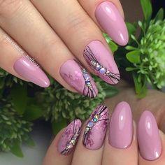 35 beautiful nail art designs that will catch your eye page 36 Rose Nails, Purple Nails, Gel Nail Art, Gel Nails, Sunflower Nail Art, Summer Nails 2018, Almond Acrylic Nails, Trendy Nail Art, Elegant Nails