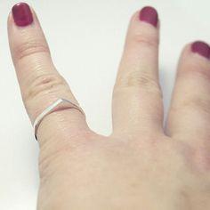 Buenos días! Recuerda que hasta las 24:00 horas de hoy puedes beneficiarte del 25% de descuento en TODO usando el código LOVESPRING! !❤ ❤ ❤ morning! Remember 25% off everything using promo code LOVESPRING! . . #LePAGoN #joyas #Madrid #handmade #jewelry #design #minimal #plata #silver #bling #designer #art #line #abstract #exclusive #anillo #simple #geometry #jewels #bijoux #joyitas #unisexjewelry #sales #rebajas #midseasonsale #spring