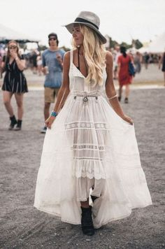 We offer you today a style of freedom that you can live with all in your cells: Boho festival looks and outfits! Best boho concert outfits you should check! Festival Looks, Festival Style, Festival Mode, Music Festival Outfits, Boho Festival, Festival Fashion, Coachella Festival, Coachella 2016, Edm Festival
