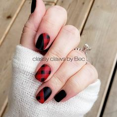 Beautiful fall nails 😍 Good Girls Gone Plaid, Midnight in Manhattan, and Swiss and Tell (under plaid) with a matte topcoat Matte Nails, Gel Nails, Nail Polish, Manicures, Acrylic Nails, Nail Color Combos, Nail Colors, Christmas Nail Designs, Christmas Nails