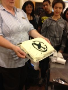 Rogers creates a Hunger Games cake for the tributes.