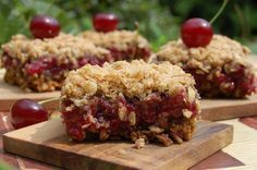 Oatmeal with sour cherry, yummi- zabpelyhes meggyes süti Diabetic Recipes, Vegan Recipes, Cooking Recipes, Healthy Cake, Healthy Desserts, Cooking Cake, Muffin, Salty Snacks, Hungarian Recipes