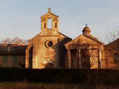 Chapelle et mausolée du château de Castille, Argilliers, Gard, Languedoc-Roussillon, France.#chapel #evening
