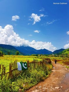 Pakistan landscape Pakistan Zindabad, Pakistan Travel, Pak Independence Day, Beautiful Mosques, Ancient Egypt, Cool Places To Visit, Travel Inspiration, Scenery, Landscape