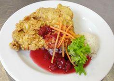 Denné menu Vranov | Vyprážané morčacie stehno na mandliach na višňovej omáčke s dusenou ryžou #DenneMenu #Restauracia #ObedoveMenu