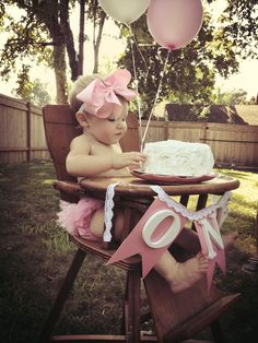 Girl 1st Birthday Party, just the thought of doing 1st birthday outside, like that idea